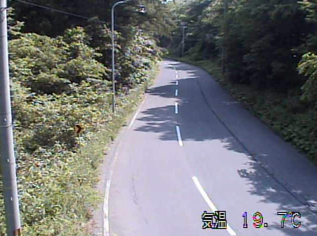 切明畑から岩手県道32号二戸田子線(二戸から田子方面)が見えるライブカメラ。