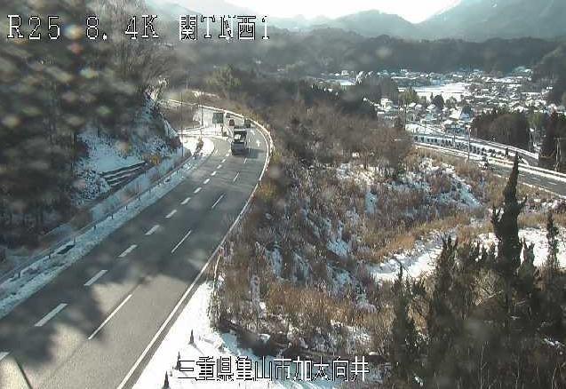 名阪国道関トンネル西第1ライブカメラ(三重県亀山市加太向井)