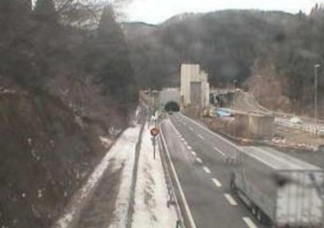 北陸自動車道敦賀トンネルライブカメラ(福井県南越前町新道)