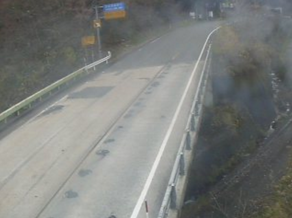 国道181号四十曲峠ライブカメラ(岡山県新庄村戸島)