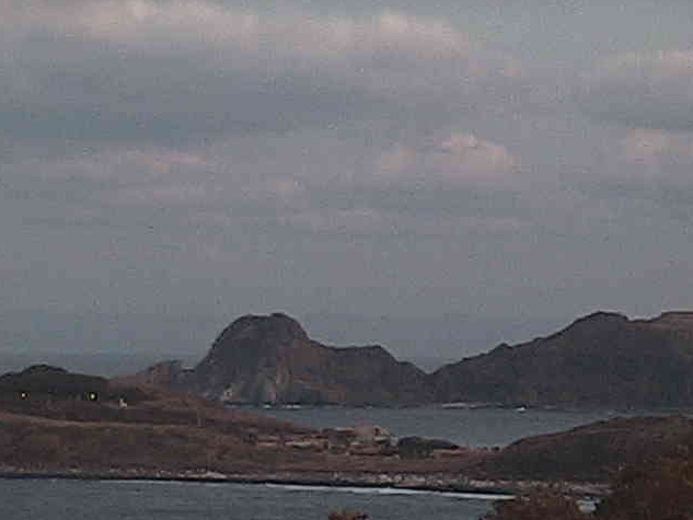 見島北灯台から見島北灯台・八里々瀬・定期船入出港・日本海