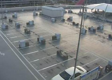 羽田空港P2駐車場屋上