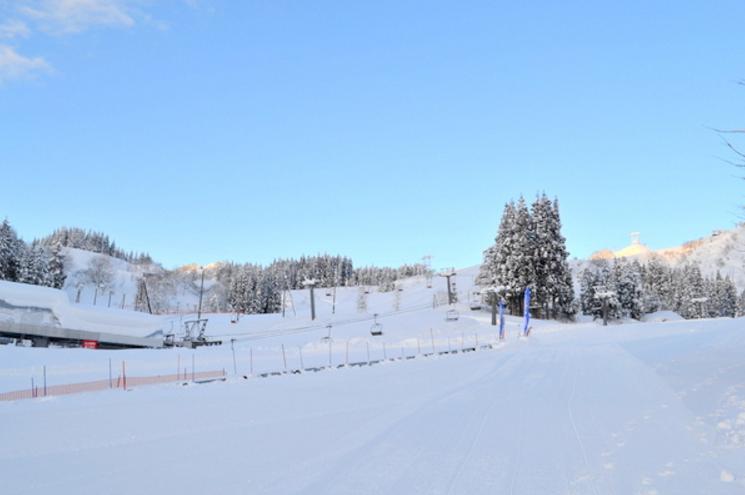 六日町スキーリゾートライブカメラ(新潟県南魚沼市小栗山)