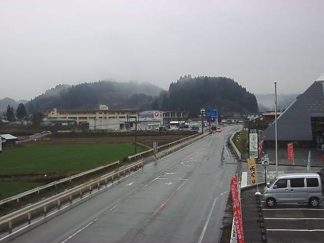 国道212号南小国町総合物産館きよらカアサライブカメラ(熊本県南小国町赤馬場)