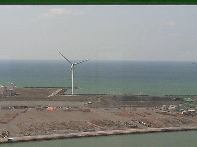 道の駅あきた港ポートタワーセリオンから日本海・風車