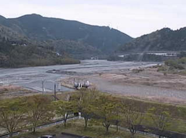 南部町役場本庁舎から福士川・富士川