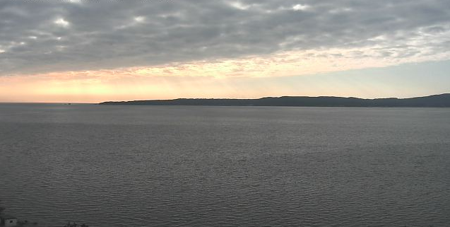 背合から真野湾が見えるライブカメラ。