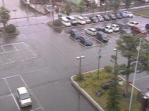 魚沼市役所広神庁舎から駐車場が見えるライブカメラ。