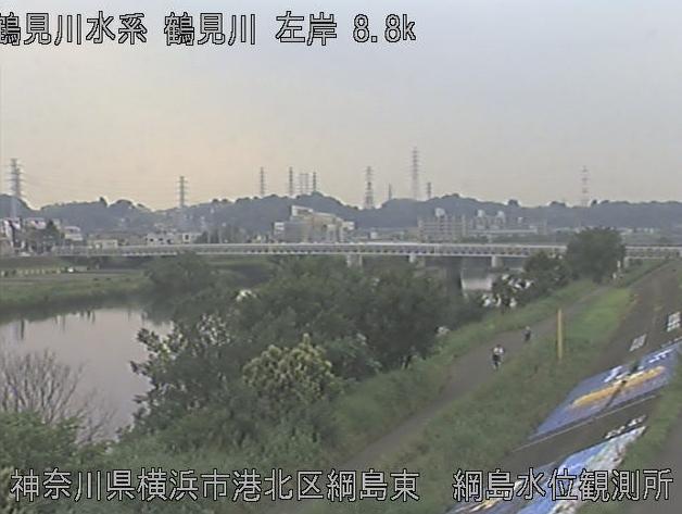 鶴見川綱島水位観測所ライブカメラは、神奈川県横浜市港北区の綱島水位観測所に設置された鶴見川が見えるライブカメラです。