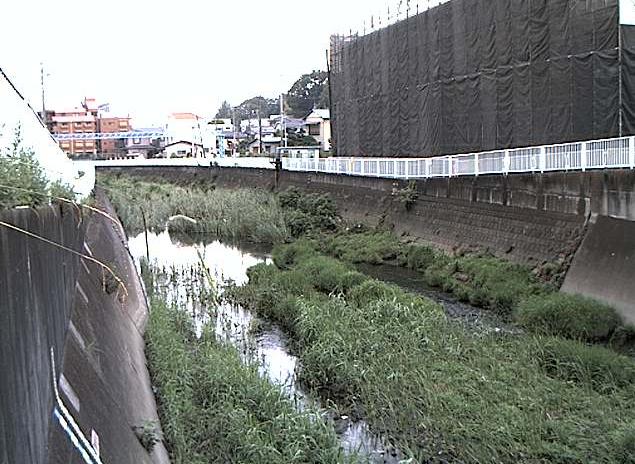 平戸永谷川嶽下橋ライブカメラは、神奈川県横浜市戸塚区の嶽下橋に設置された平戸永谷川が見えるライブカメラです。更