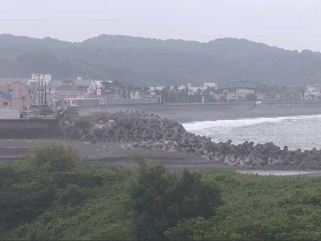 桜川水門ライブカメラは、和歌山県みなべ町山内の桜川水門に設置された桜川・ポンプ場・鹿島突堤・南部海岸・南部側河口が見えるライブカメラです。