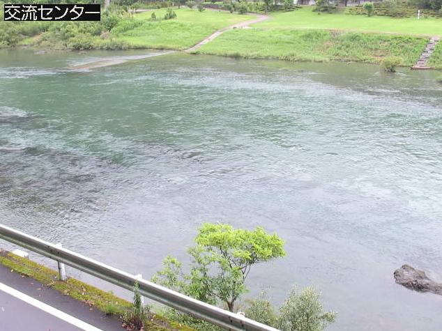 四万十川ふるさと交流センターライブカメラは、高知県四万十町昭和のふるさと交流センターに設置された四万十川が見えるライブカメラです。