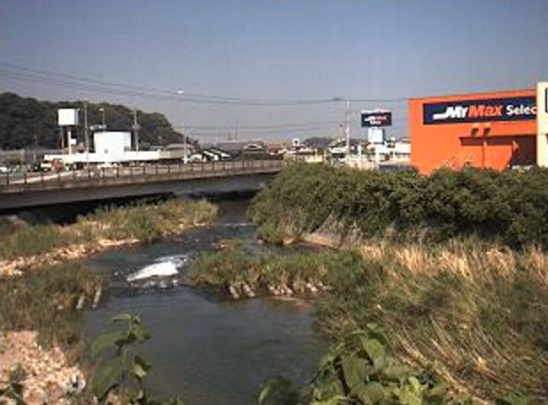 宇美川正法橋ライブカメラは、福岡県宇美町宇美の正法橋に設置された宇美川が見えるライブカメラです。