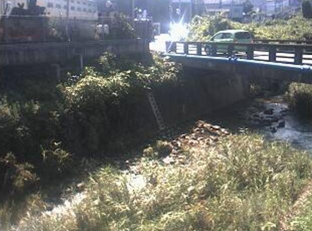 宇美川上戸樋橋ライブカメラは、福岡県宇美町ゆりが丘の上戸樋橋に設置された宇美川が見えるライブカメラです。