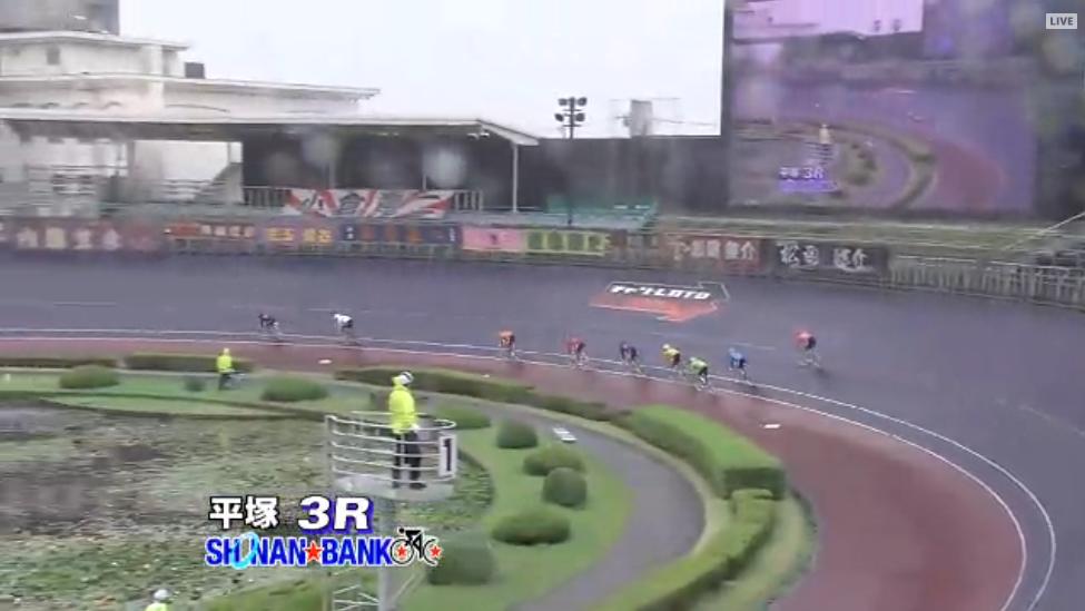 平塚競輪ライブカメラは、神奈川県平塚市久領堤の平塚競輪場に設置された競輪実況中継が見えるライブカメラです。