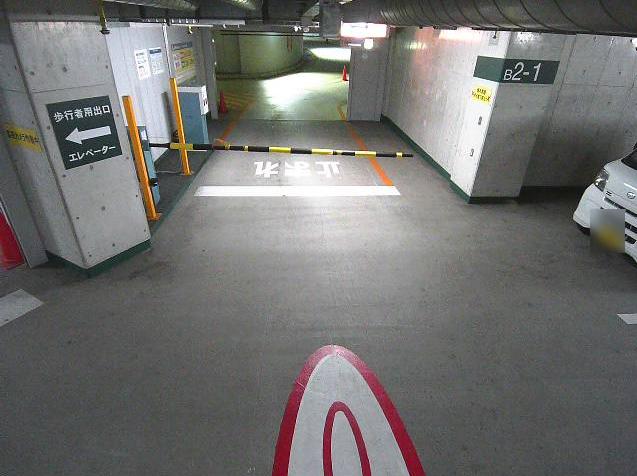 NTTルパルク代々木駅前第1駐車場1ライブカメラは、東京都渋谷区千駄ヶ谷のNTTルパルク代々木駅前第1駐車場に設置されたコインパーキングが見えるライブカメラです。