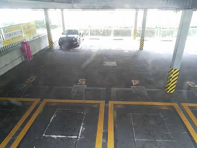 NTTルパルク代官山第1駐車場2ライブカメラは、東京都渋谷区猿楽町のNTTルパルク代官山第1駐車場に設置されたコインパーキングが見えるライブカメラです。更新はリアルタイムで、独自配信による動画(生中継)のライブ映像配信です。エヌティティルパルク(NTTルパルク)による配信。