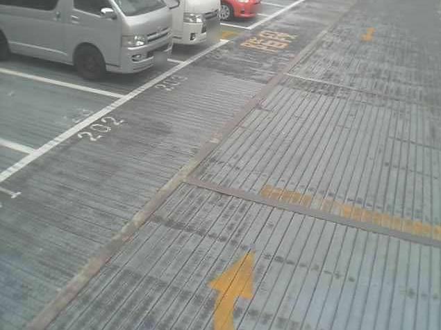 NTTルパルク横浜西第1駐車場2ライブカメラは、神奈川県横浜市西区のNTTルパルク横浜西第1駐車場に設置されたコインパーキングが見えるライブカメラです。