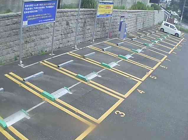 NTTルパルク長津田第1駐車場ライブカメラは、神奈川県横浜市緑区のNTTルパルク長津田第1駐車場に設置されたコインパーキングが見えるライブカメラです。