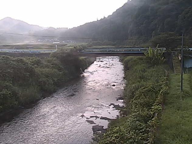 沢谷川上川戸ライブカメラは、島根県美郷町の上川戸に設置された沢谷川が見えるライブカメラです。