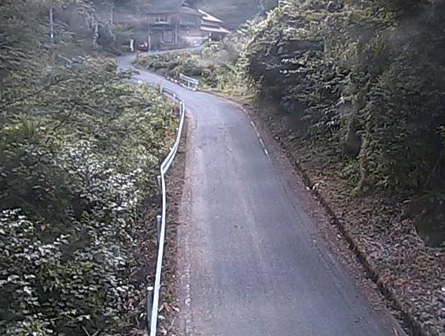 美郷町町道八神千原線猿丸ライブカメラは、島根県美郷町千原猿丸の猿丸に設置された美郷町町道八神千原線が見えるライブカメラです。