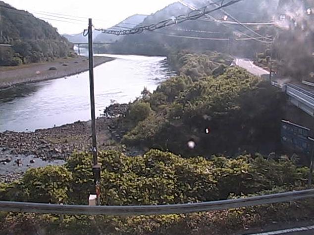 島根県道40号川本波多線竹ライブカメラは、島根県川本町川本の竹に設置された島根県道40号川本波多線・江の川が見えるライブカメラです。
