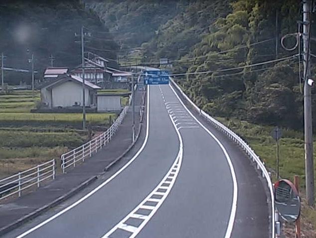 国道375号上野ライブカメラは、島根県美郷町の上野に設置された国道375号が見えるライブカメラです。
