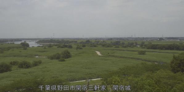 江戸川分派点関宿城ライブカメラは、千葉県野田市関宿の関宿城に設置された江戸川分派点が見えるライブカメラです。