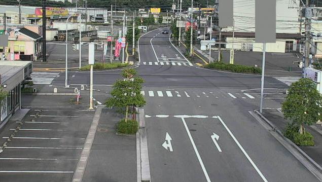 大分県杵築市杵築の交差点付近に設置された塩田交差点・国道213号(杵築沿海路)・大分県道49号大田杵築線が見えるライブカメラです。