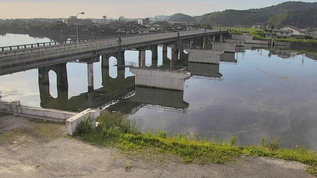 大分県杵築市南杵築の橋付近に設置された錦江橋・八坂川が見えるライブカメラです。