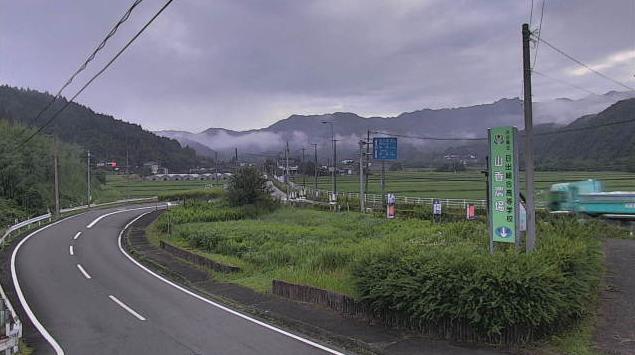 大分県杵築市山香町の大井手橋に設置された大井手橋・国道10号・八坂川が見えるライブカメラです。