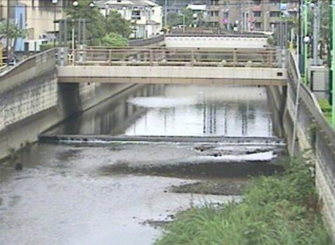 仙川鎌田橋ライブカメラは、東京都世田谷区鎌田の鎌田橋に設置された仙川が見えるライブカメラです。