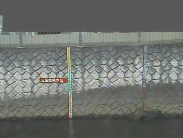 仙川鎌田橋仙川水位観測所ライブカメラは、東京都世田谷区鎌田の鎌田橋仙川水位観測所に設置された仙川が見えるライブカメラです。
