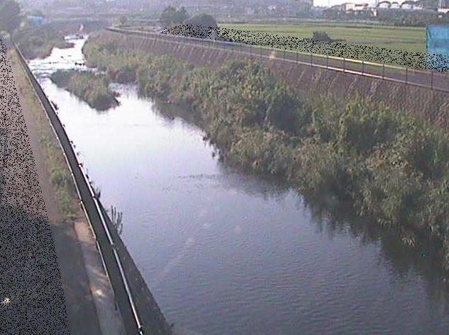 恩田川浅山橋ライブカメラは、神奈川県横浜市青葉区の浅山橋に設置された恩田川が見えるライブカメラです。