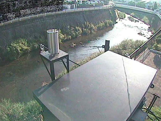 鶴見川岡上橋ライブカメラは、神奈川県川崎市麻生区の岡上橋に設置された鶴見川が見えるライブカメラです。