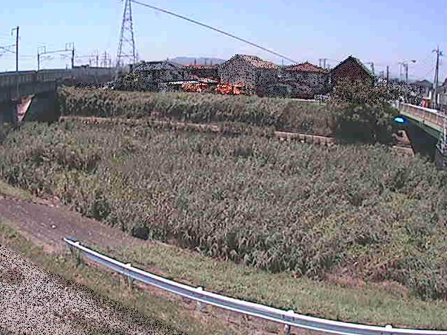 鈴川東橋ライブカメラは、神奈川県平塚市豊田本郷の東橋に設置された鈴川が見えるライブカメラです。