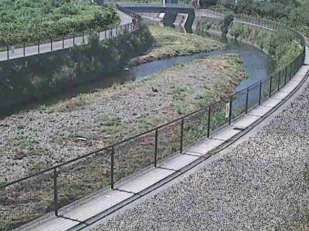 引地川福寿橋ライブカメラは、神奈川県大和市福田の福寿橋に設置された引地川が見えるライブカメラです。