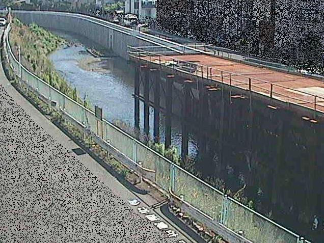 境川境橋ライブカメラは、神奈川県大和市深見の境橋に設置された境川が見えるライブカメラです。