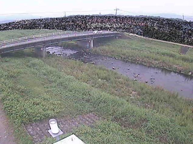 狩川大泉河原橋ライブカメラは、神奈川県南足柄市狩野の大泉河原橋に設置された狩川が見えるライブカメラです。