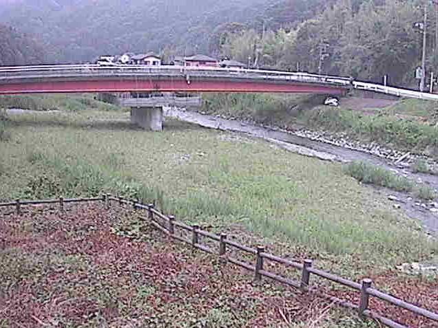 中津川田代橋ライブカメラは、神奈川県松田町寄の田代橋に設置された中津川が見えるライブカメラです。