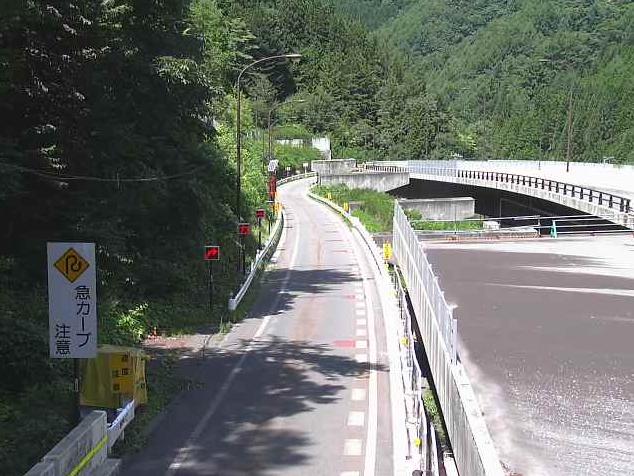 国道361号神谷ランプ2ライブカメラは、長野県木曽町日義の神谷ランプ2に設置された国道361号が見えるライブカメラです。