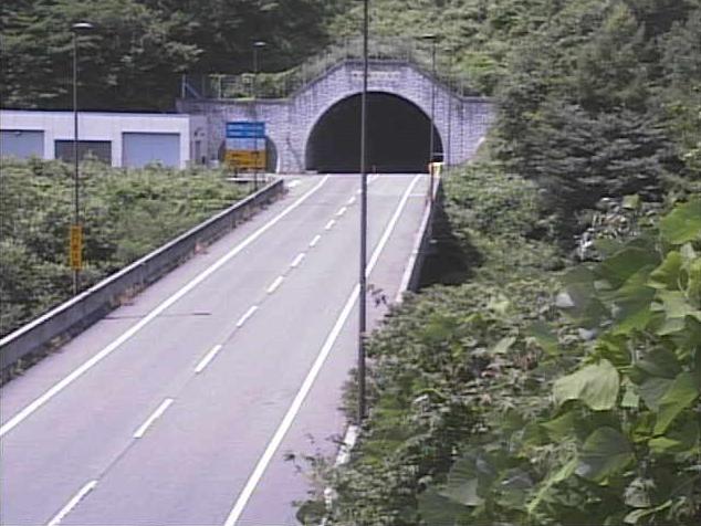 国道361号権兵衛トンネル伊那側ライブカメラは、長野県南箕輪村の権兵衛トンネル伊那側に設置された国道361号(権兵衛峠道路)が見えるライブカメラです