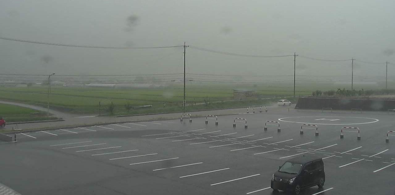 国道152号長和町役場ライブカメラは、長野県長和町古町の長和町役場に設置された国道152号が見えるライブカメラです。