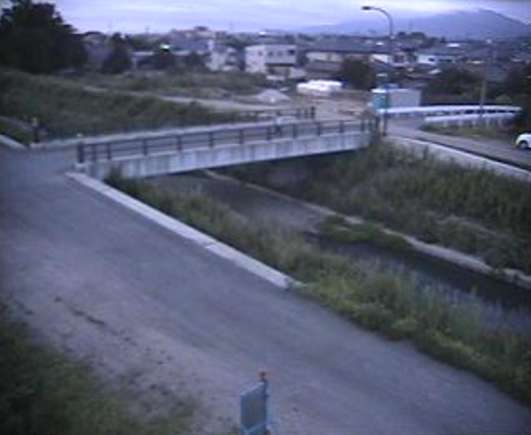 五泉市城跡橋ライブカメラは、新潟県五泉市村松の城跡橋付近に設置された滝谷川が見えるライブカメラです。