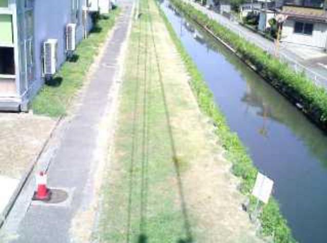三条ものづくり学校島田川ライブカメラは、新潟県三条市桜木町の三条ものづくり学校(ものづくり拠点施設)に設置された島田川が見えるライブカメラです。