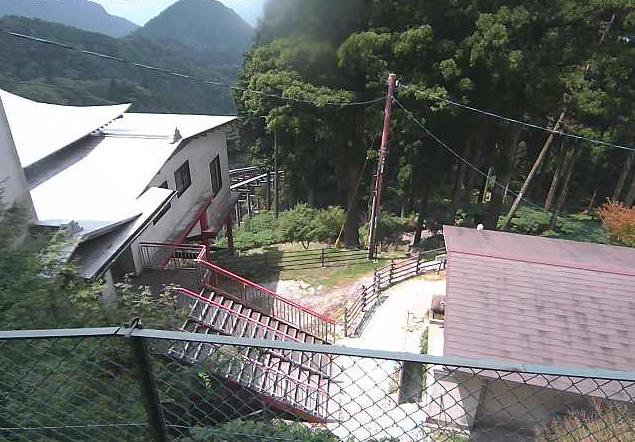 英彦山神宮授与所ライブカメラは、福岡県添田町英彦山の英彦山神宮授与所に設置された境内が見えるライブカメラです。