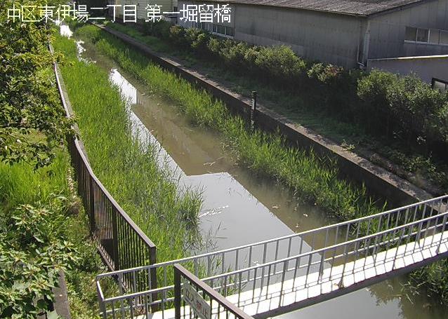 堀留運河第一堀留橋ライブカメラは、静岡県浜松市中区の第一堀留橋に設置された堀留運河が見えるライブカメラです。