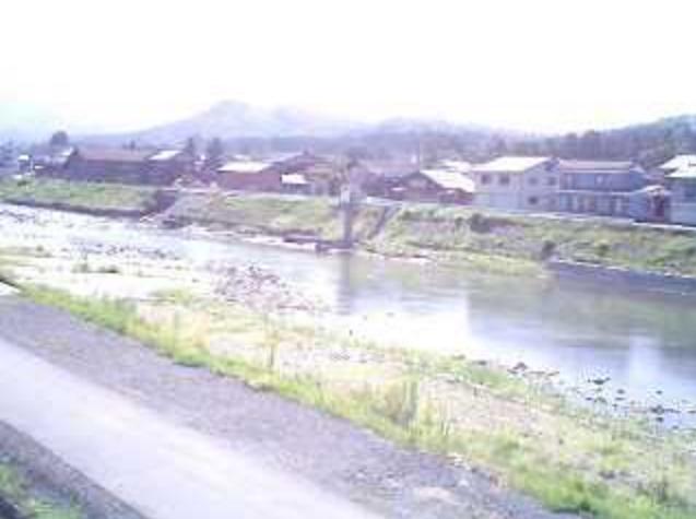 白鳥の郷公苑五十嵐川ライブカメラは、新潟県三条市森町の白鳥の郷公苑に設置された五十嵐川が見えるライブカメラです。