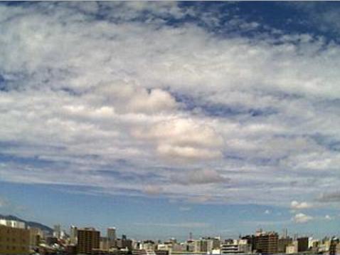 北海道札幌市豊平区au天気ライブカメラは、北海道の札幌市豊平区に設置された上空天気が見えるライブカメラです。