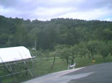 北海道札幌市南区au天気ライブカメラは、北海道の札幌市南区に設置された上空天気が見えるライブカメラです。
